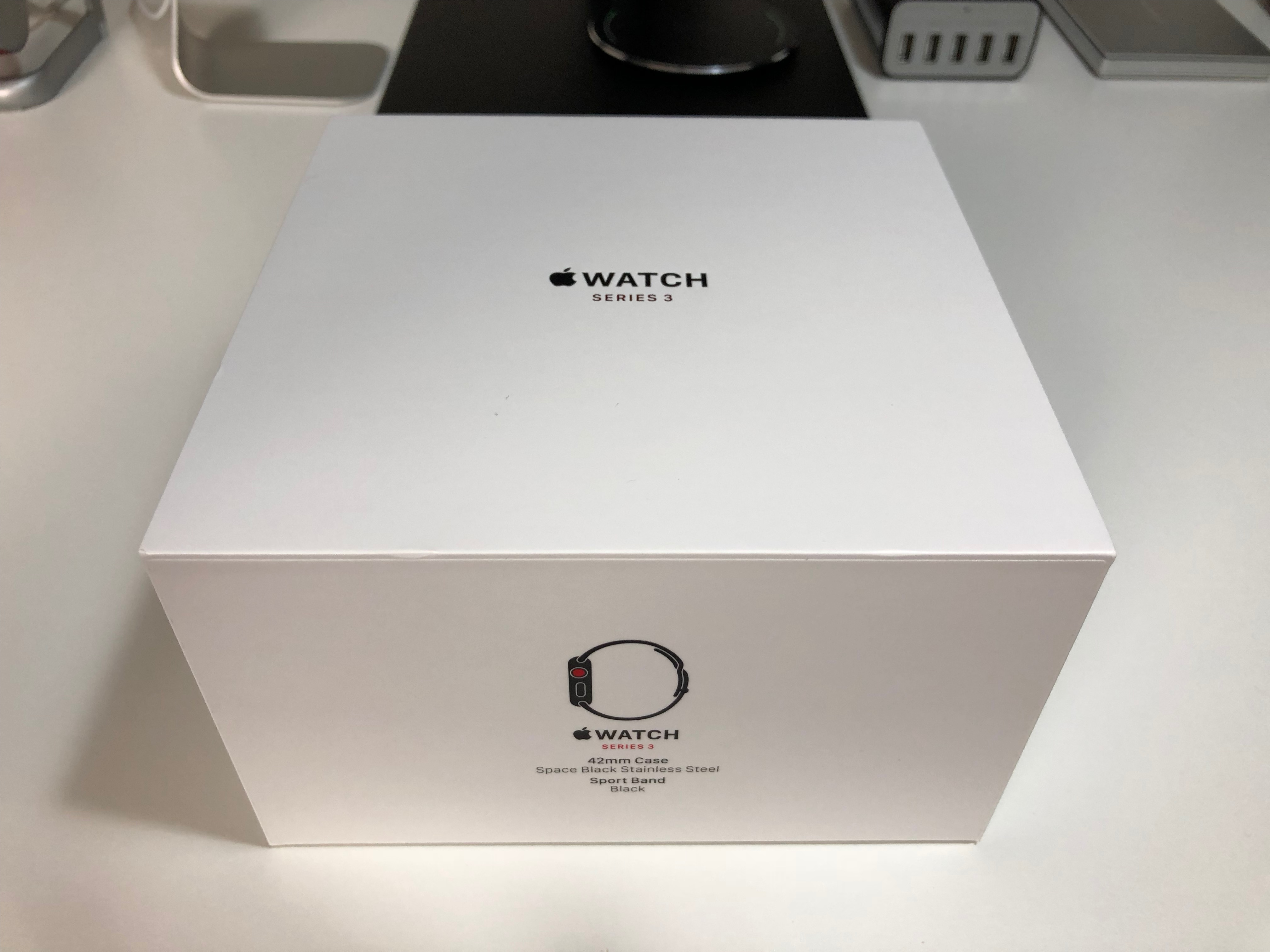 Apple watch series 3 stainless steel space black running there is no plastic box for the apple watch anymore which was disappointing as this was included with the launch apple watches including the sports thecheapjerseys Image collections